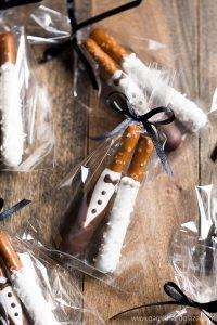 Bride & Groom Pretzel Rods are the perfect wedding favors.