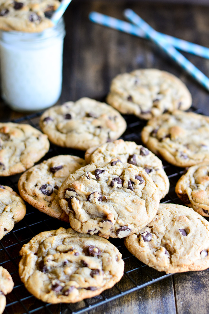 The BEST Bakery Style Chocolate Chip Cookies that are crisp on the ...
