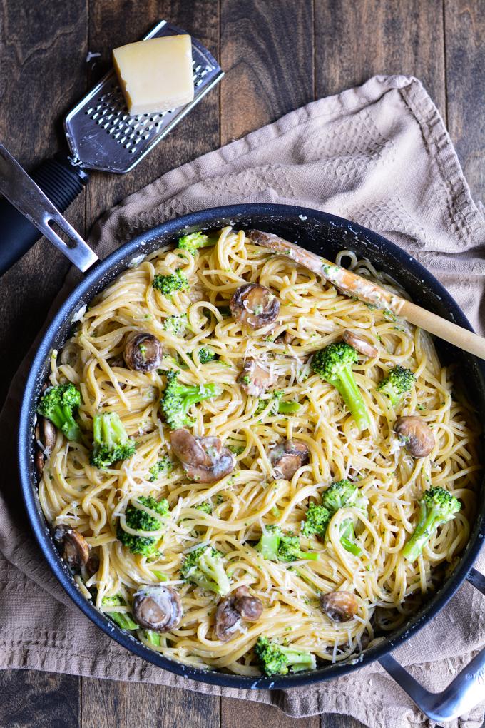 Spaghetti con Broccoli | Garnish and Glaze