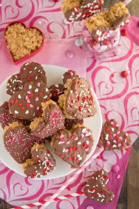 Scotcheroo Hearts- Peanut butter Rice Krispies dipped in chocolate and butterscotch | Garnish & Glaze