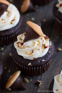 Celebrate fall with these cute Chocolate Almond Acorn Cupcakes.
