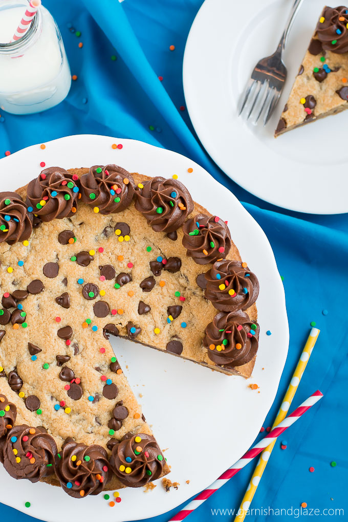 Chewy chocolate chip cookie cake recipe