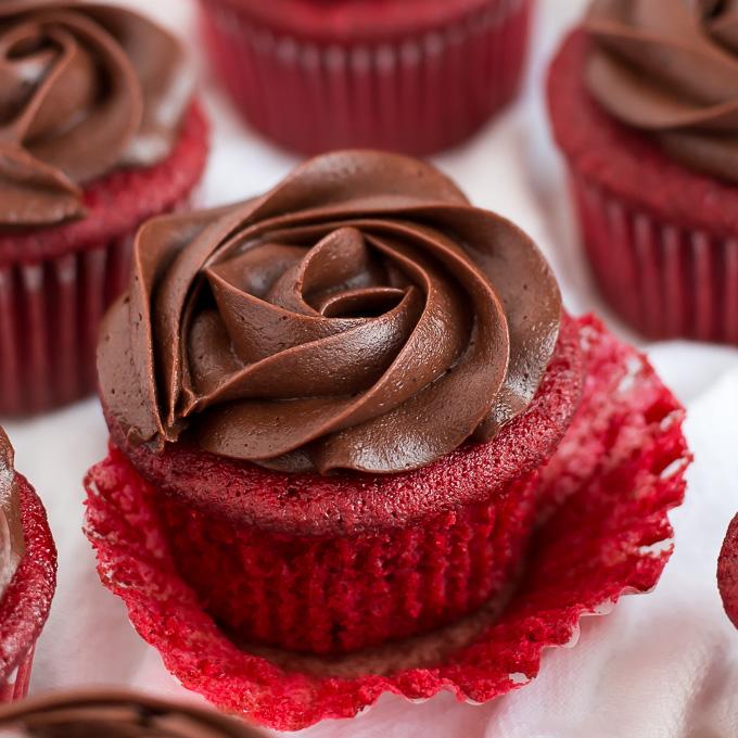 are red velvet cupcakes chocolate
