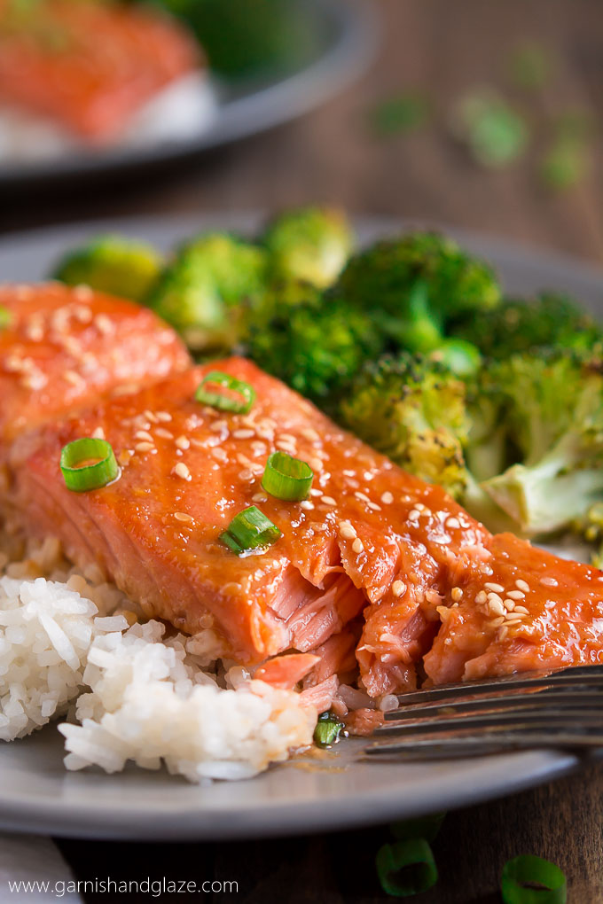 ONE PAN SESAME GINGER SALMON AND BROCCOLI is your new go-to quick and healthy dinner (with easy clean up!) that the whole family will love.