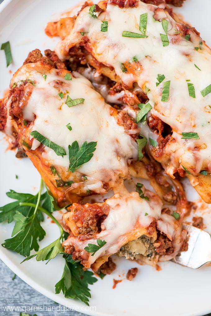 Easy Beef, Spinach, & Cheese Manicotti is a fancy pasta dish made simple. You don't have to precook the noodles so it's way easier and less time consuming.