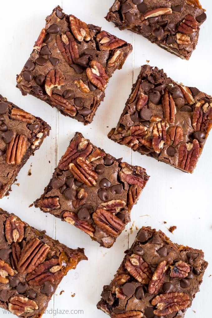 Rich chocolaty brownies filled with sweet gooey caramel and crunchy pecans... these delicious Turtle Brownies are going to blow your mind!