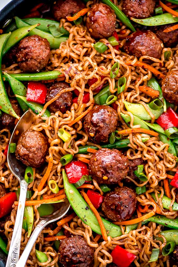Get dinner on the table for a meal with your family in less than 30 minutes with this flavorful and nutritious Meatball Veggie Ramen.