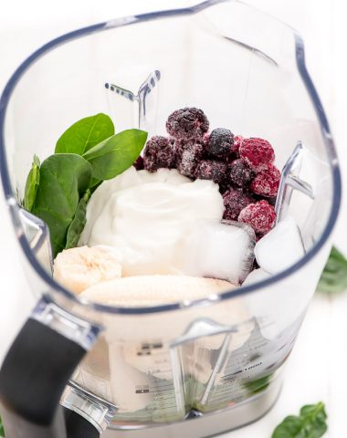 Berry Spinach Smoothie ingredients in Wold Gourmet Blender