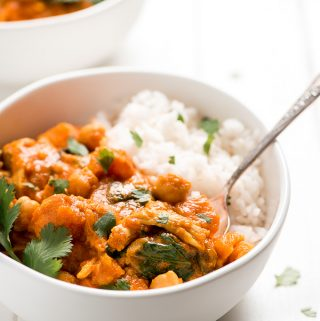 Instant Pot or Slow Cooker Chicken Curry