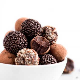 4-Ingredient Chocolate Truffles