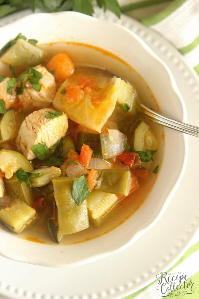 FRIDAY | Skinny Chicken Vegetable Soup