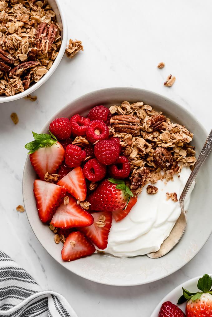 4 Greek Yogurt Bowls That Keep You Feeling Full Garnish Glaze